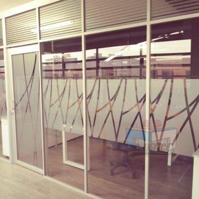 divisiones en vidrio templado para oficina