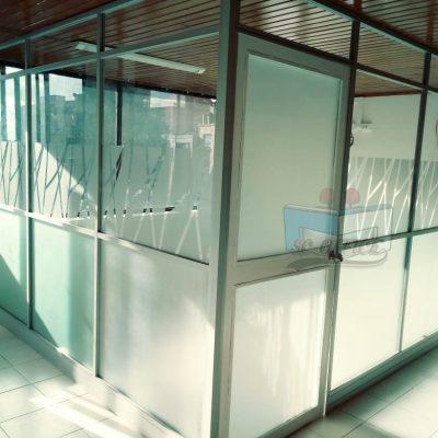 división para oficina en vidrio opaco